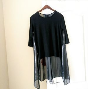 Cha Cha Vente Black High Low Shimmer Top Size M